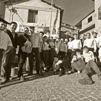 SaInnenna-gruppo-sepia_small800x